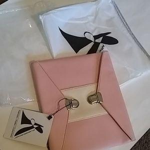 🆕Nwt clutch purse